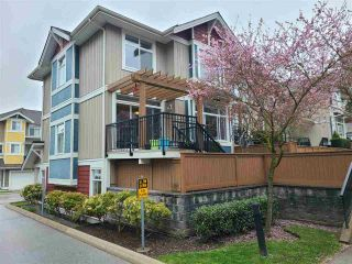"""Photo 2: 29 6036 164 Street in Surrey: Cloverdale BC Townhouse for sale in """"Arbour Village"""" (Cloverdale)  : MLS®# R2560746"""