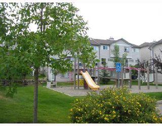 Photo 2:  in CALGARY: Millrise Townhouse for sale (Calgary)  : MLS®# C3342552