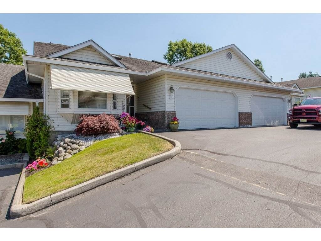 """Main Photo: 50 3054 TRAFALGAR Street in Abbotsford: Central Abbotsford Townhouse for sale in """"Whispering Pines"""" : MLS®# R2183313"""