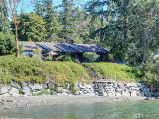 Photo 3: 725 Towner Park Rd in NORTH SAANICH: NS Deep Cove House for sale (North Saanich)  : MLS®# 709951
