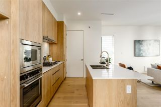 """Photo 3: 2559 E 40TH Avenue in Vancouver: Collingwood VE Townhouse for sale in """"East 40th"""" (Vancouver East)  : MLS®# R2593503"""
