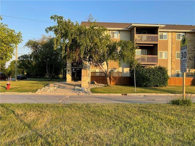 Main Photo: 317 494 Beliveau Road East in Winnipeg: St Vital Condominium for sale (2D)  : MLS®# 202124216