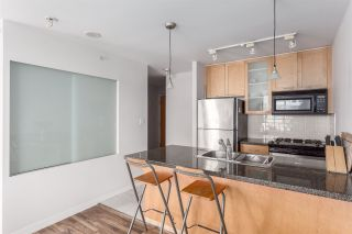 """Photo 3: 1501 989 RICHARDS Street in Vancouver: Downtown VW Condo for sale in """"MONDRIAN ONE"""" (Vancouver West)  : MLS®# R2171002"""
