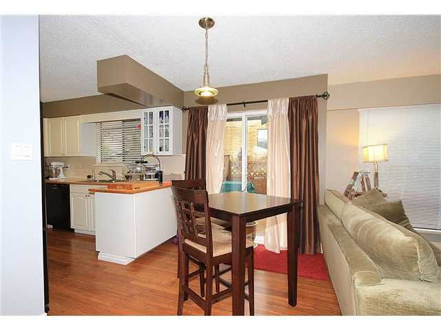 Photo 3: Photos: 21340 EXETER Avenue in Maple Ridge: West Central House for sale : MLS®# V995864
