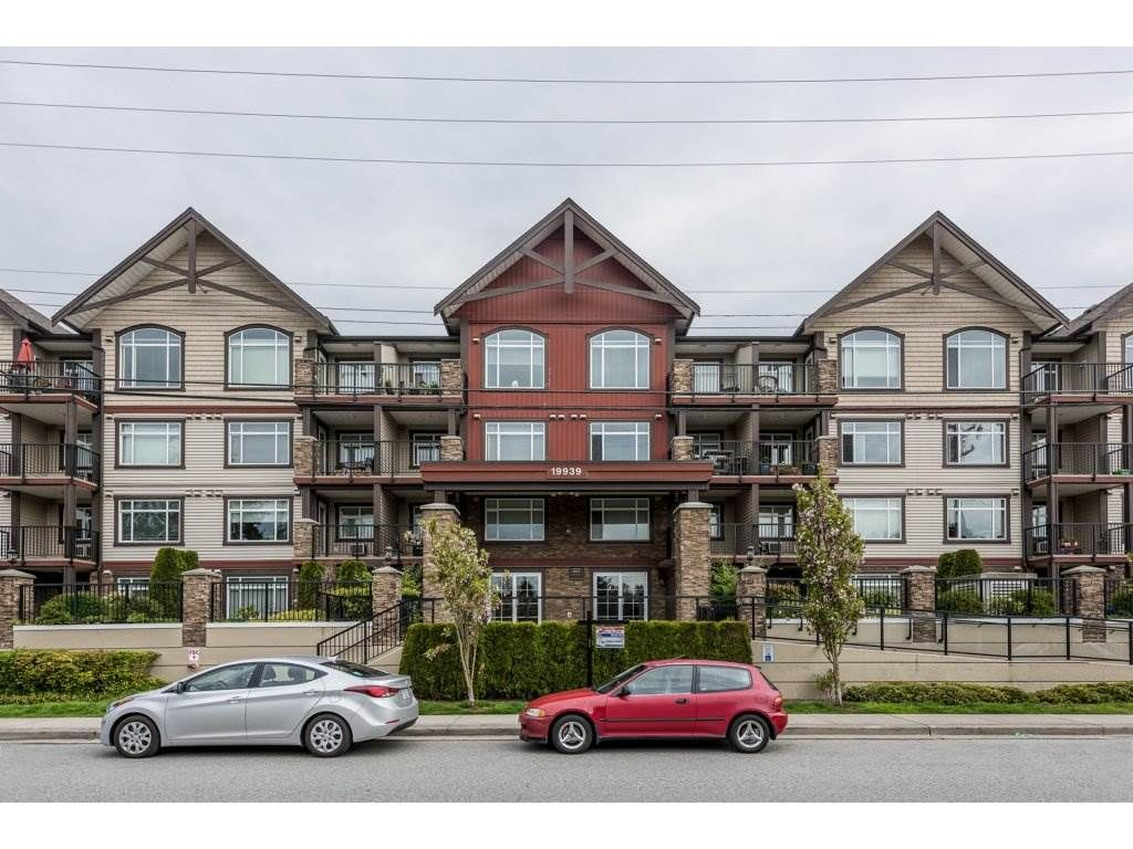 Main Photo: 405 19939 55A AVENUE in Langley: Langley City Condo for sale : MLS®# R2160675