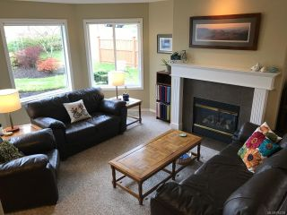 Photo 2: 1272 CROWN PLACE in COMOX: CV Comox (Town of) House for sale (Comox Valley)  : MLS®# 784338