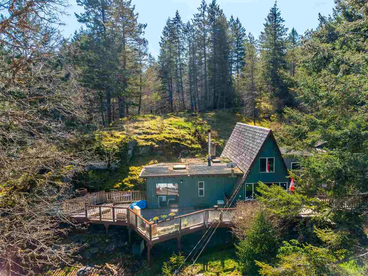 Main Photo: 4470 MCLINTOCK Road in Madeira Park: Pender Harbour Egmont House for sale (Sunshine Coast)  : MLS®# R2562240