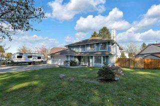 "Photo 2: 9278 154 Street in Surrey: Fleetwood Tynehead House for sale in ""BERKSHIRE PARK"" : MLS®# R2569773"