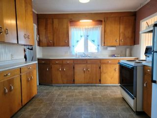 Photo 4: 3237 Hinchey Avenue in New Waterford: 204-New Waterford Residential for sale (Cape Breton)  : MLS®# 202124968