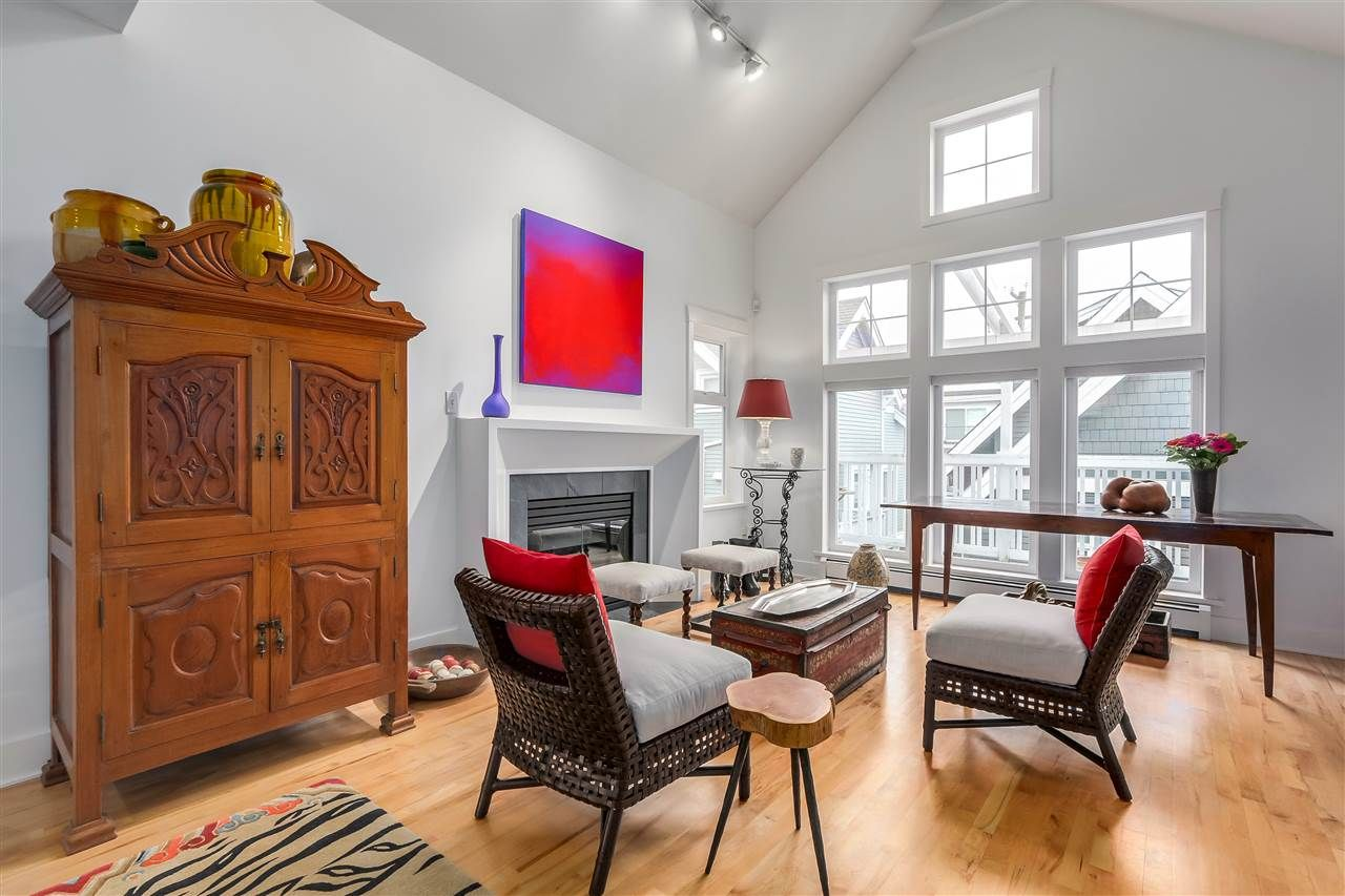 """Main Photo: 1618 GRANT Street in Vancouver: Grandview VE Townhouse for sale in """"CASA QUATTRO"""" (Vancouver East)  : MLS®# R2237745"""