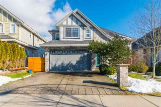 Photo 1: 5472 189A Street in Surrey: Cloverdale BC House for sale (Cloverdale)  : MLS®# R2342314