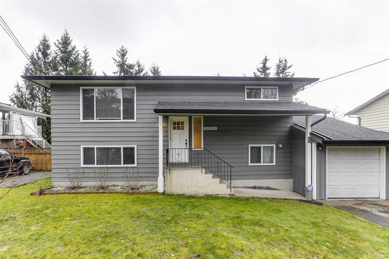 Main Photo: 32354 14TH Avenue in Mission: Mission BC House for sale : MLS®# R2435274