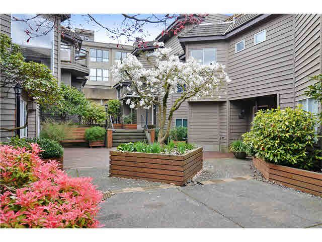 Main Photo: 1290 W 6th Avenue in Vancouver: Fairview VW Townhouse for sale (Vancouver West)  : MLS®# V1128049