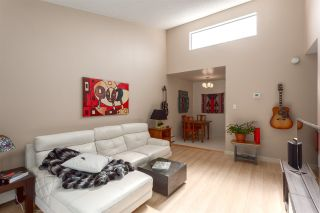 """Photo 3: 308 1515 E 5TH Avenue in Vancouver: Grandview VE Condo for sale in """"Woodland Place"""" (Vancouver East)  : MLS®# R2202256"""