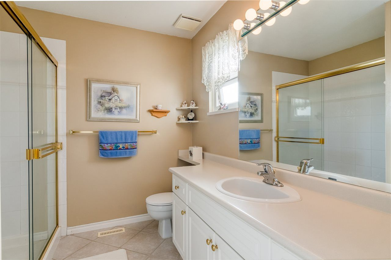 """Photo 13: Photos: 17 13499 92 Avenue in Surrey: Queen Mary Park Surrey Townhouse for sale in """"CHATHAM LANE"""" : MLS®# R2403467"""