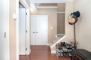 Photo 4: 4 2311 Watkiss Way in : VR Hospital Row/Townhouse for sale (View Royal)  : MLS®# 878029