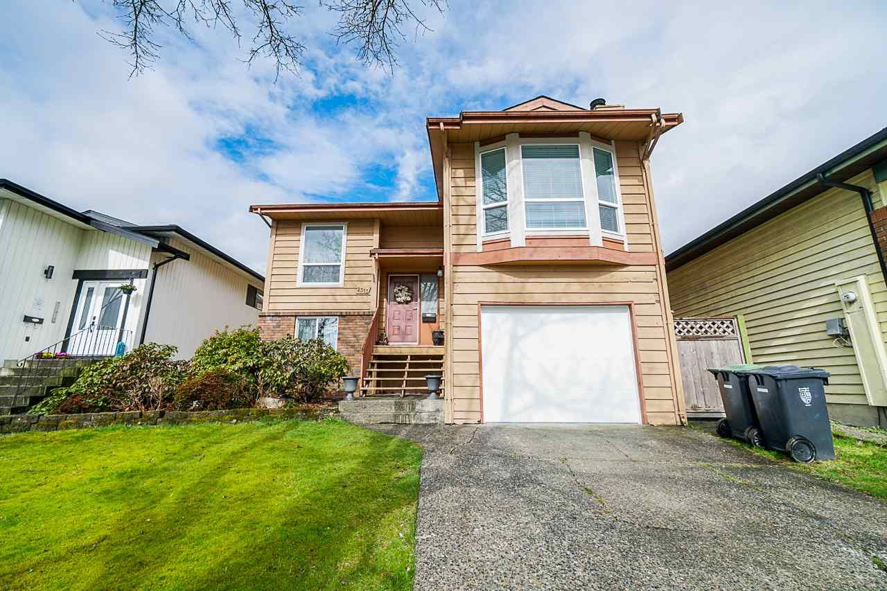 Main Photo: 2313 WAKEFIELD DRIVE in : Willoughby Heights House for sale : MLS®# R2442757