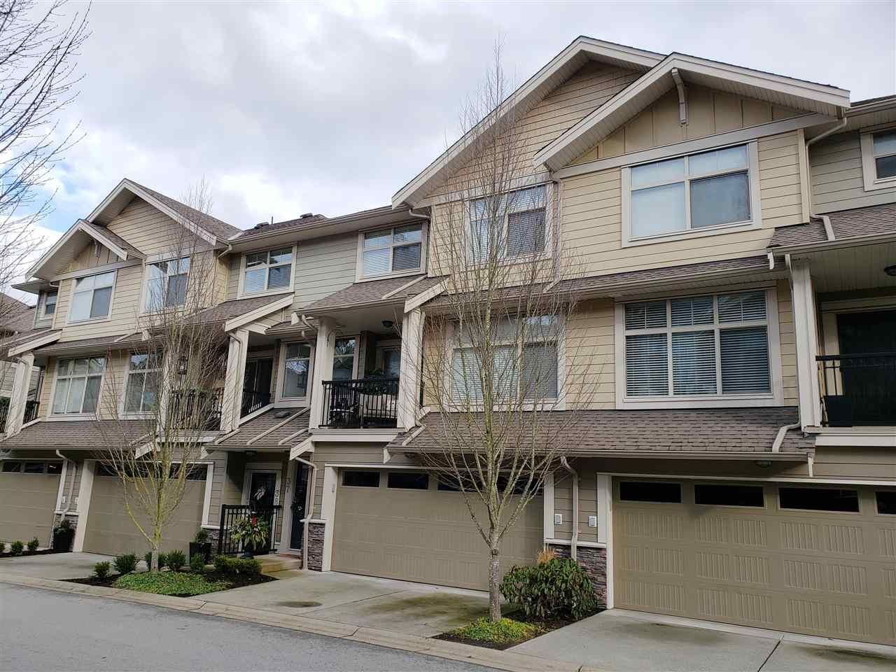 """Main Photo: 37 22225 50 Avenue in Langley: Murrayville Townhouse for sale in """"Murray's Landing"""" : MLS®# R2435449"""