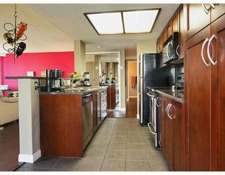 """Photo 2: 2605 867 HAMILTON Street in Vancouver: Downtown VW Condo for sale in """"JARDINE'S LOOKOUT"""" (Vancouver West)  : MLS®# V779994"""