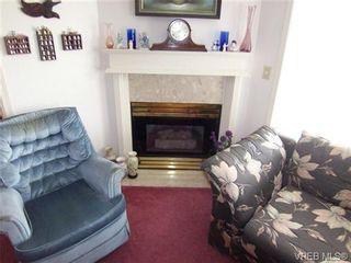 Photo 4: 410 1715 richmond Ave in VICTORIA: Vi Jubilee Condo for sale (Victoria)  : MLS®# 703475