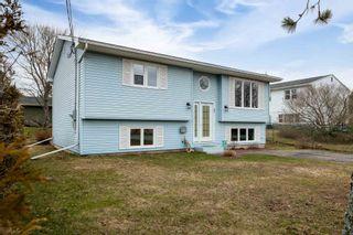 Photo 2: 83 Eisener Street in Halifax: 40-Timberlea, Prospect, St. Margaret`S Bay Residential for sale (Halifax-Dartmouth)  : MLS®# 202107652