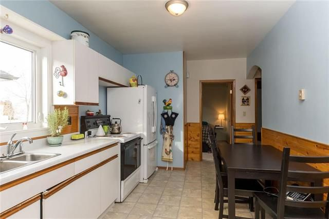 Photo 5: Photos: 71 Robson Street in Winnipeg: Mission Gardens Residential for sale (3K)  : MLS®# 1830589