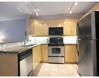 """Photo 4: 512 345 LONSDALE Avenue in North_Vancouver: Lower Lonsdale Condo for sale in """"THE MET"""" (North Vancouver)  : MLS®# V693471"""