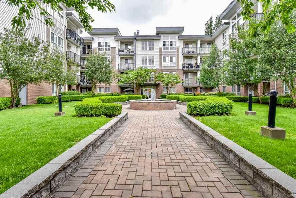 Main Photo: 308 5430 201 STREET in Langley: Langley City Condo for sale ()  : MLS®# R2297750