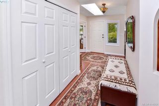 Photo 3: 1179 Sunnybank Crt in VICTORIA: SE Sunnymead House for sale (Saanich East)  : MLS®# 821175