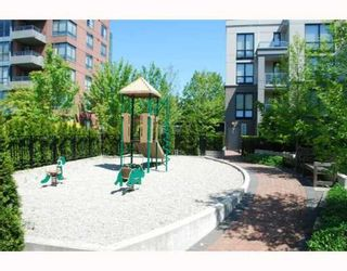 """Photo 9: 409 3638 VANNESS Avenue in Vancouver: Collingwood VE Condo for sale in """"BRIO"""" (Vancouver East)  : MLS®# V768295"""
