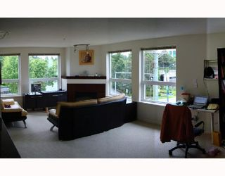 """Photo 4: 310 6888 SOUTHPOINT Drive in Burnaby: South Slope Condo for sale in """"CORTINA"""" (Burnaby South)  : MLS®# V714781"""