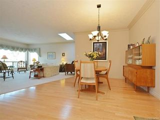Photo 10: 11 4300 Stoneywood Lane in VICTORIA: SE Broadmead Row/Townhouse for sale (Saanich East)  : MLS®# 748264