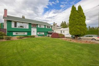 Photo 2: 2311 LATIMER Avenue in Coquitlam: Central Coquitlam House for sale : MLS®# R2169702