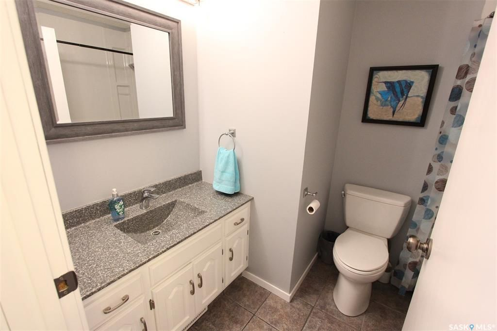 Photo 13: Photos: 233 Lorne Street West in Swift Current: North West Residential for sale : MLS®# SK825782