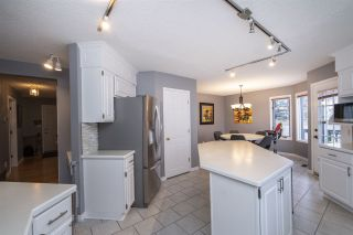 Photo 17: 442 Burton Road in Edmonton: Zone 14 House for sale : MLS®# E4235561