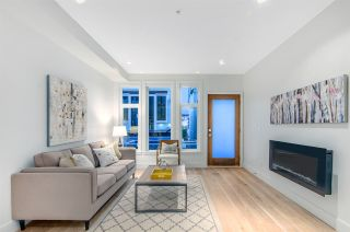 """Photo 2: 1072 NICOLA Street in Vancouver: West End VW Townhouse for sale in """"Nicola Mews"""" (Vancouver West)  : MLS®# R2085171"""