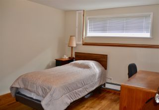 Photo 16: 423 E 12TH Street in North Vancouver: Central Lonsdale House for sale : MLS®# R2451360