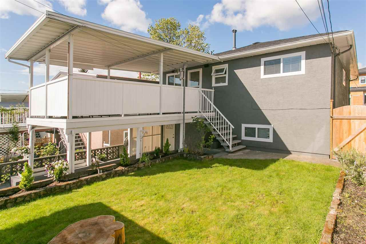 Photo 14: Photos: 3566 MOSCROP STREET in Vancouver: Collingwood VE House for sale (Vancouver East)  : MLS®# R2011358