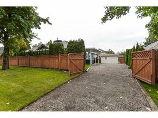 Photo 18: 21689 45 Avenue in Langley: Murrayville House for sale : MLS®# R2409364