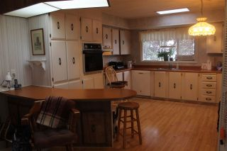 """Photo 5: 62 15875 20 Avenue in Surrey: King George Corridor Manufactured Home for sale in """"SEA RIDGE BAYS"""" (South Surrey White Rock)  : MLS®# R2208444"""