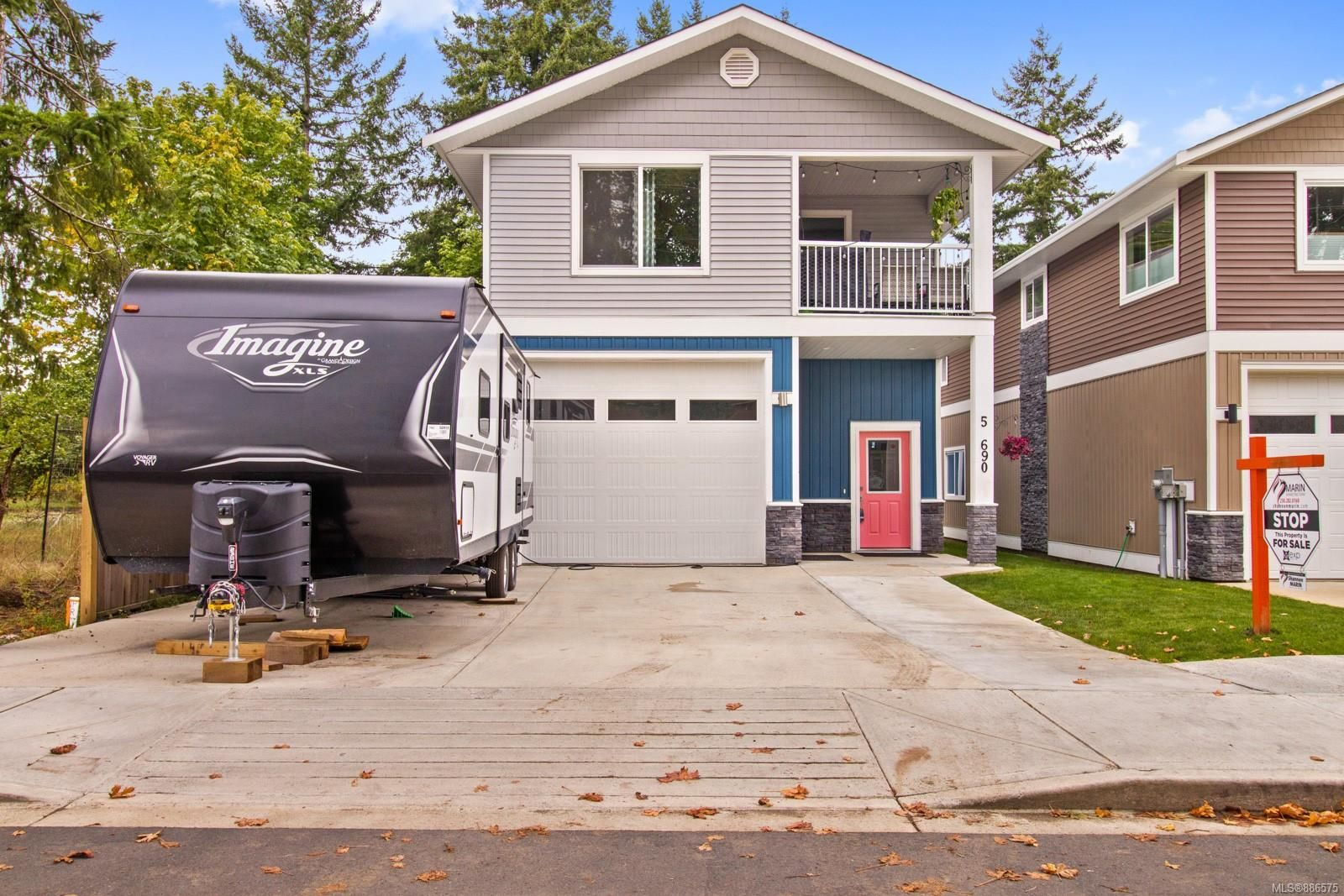 Main Photo: 5 690 Smith Rd in : CR Campbell River Central Row/Townhouse for sale (Campbell River)  : MLS®# 886575