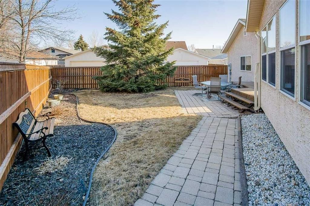Photo 28: Photos: 23 Tiverton Bay in Winnipeg: River Park South Residential for sale (2F)  : MLS®# 202008374