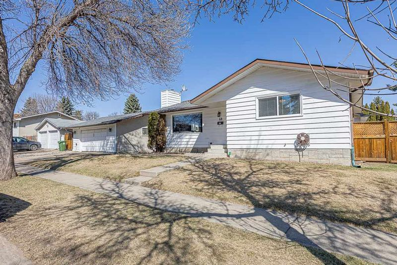 FEATURED LISTING: 68 GAINSBOROUGH Avenue St. Albert