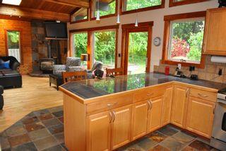 Photo 5: 6453 NORWEST BAY Road in Sechelt: Sechelt District House for sale (Sunshine Coast)  : MLS®# V831403