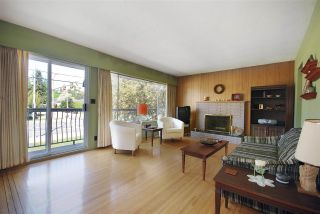 """Photo 2: 3586 COAST MERIDIAN Road in Port Coquitlam: Lincoln Park PQ House for sale in """"OXFORD HEIGHTS"""" : MLS®# R2058786"""