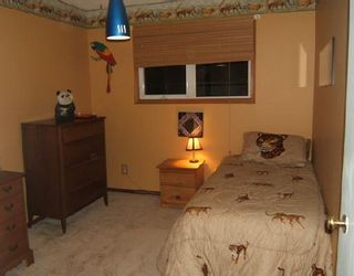 Photo 4: 321 THOM Avenue East in WINNIPEG: Transcona Residential for sale (North East Winnipeg)  : MLS®# 2819519