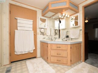 Photo 15: 21 1581 Middle Rd in VICTORIA: VR Glentana Manufactured Home for sale (View Royal)  : MLS®# 799550