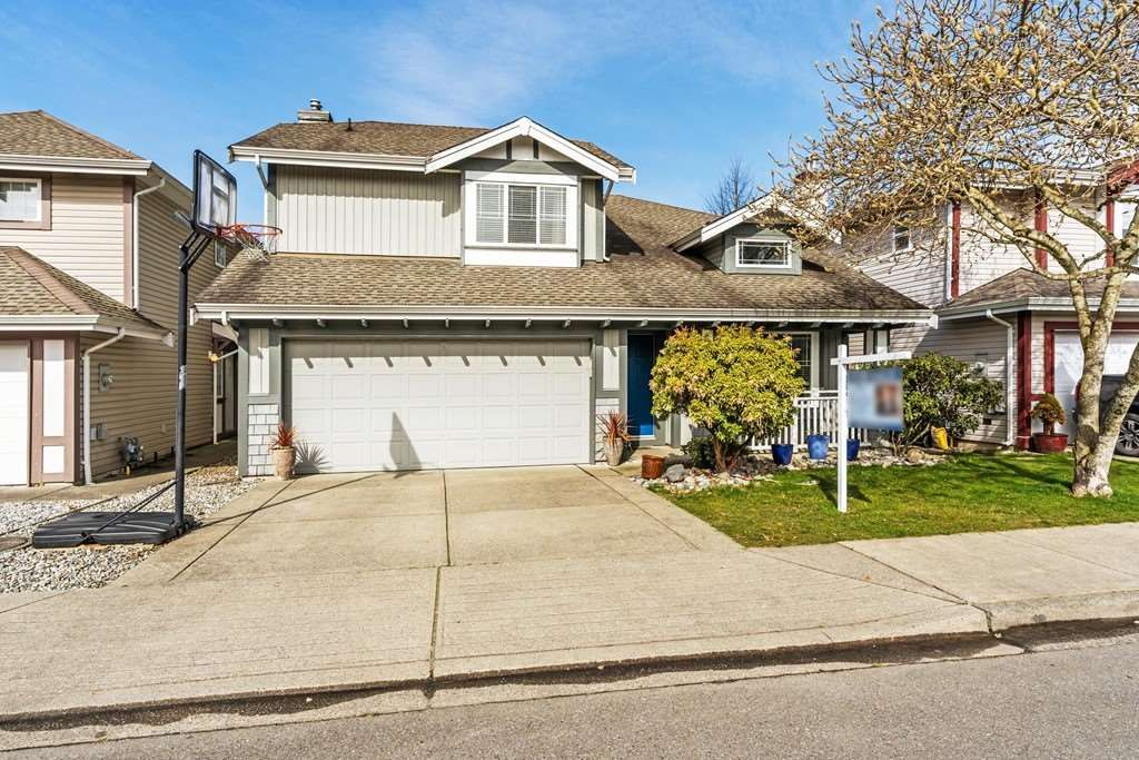 """Main Photo: 20211 93A Avenue in Langley: Walnut Grove House for sale in """"Riverwynd"""" : MLS®# R2549404"""