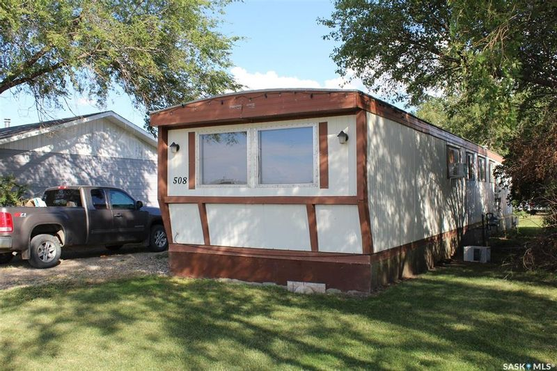 FEATURED LISTING: 508 Railway Avenue Lampman