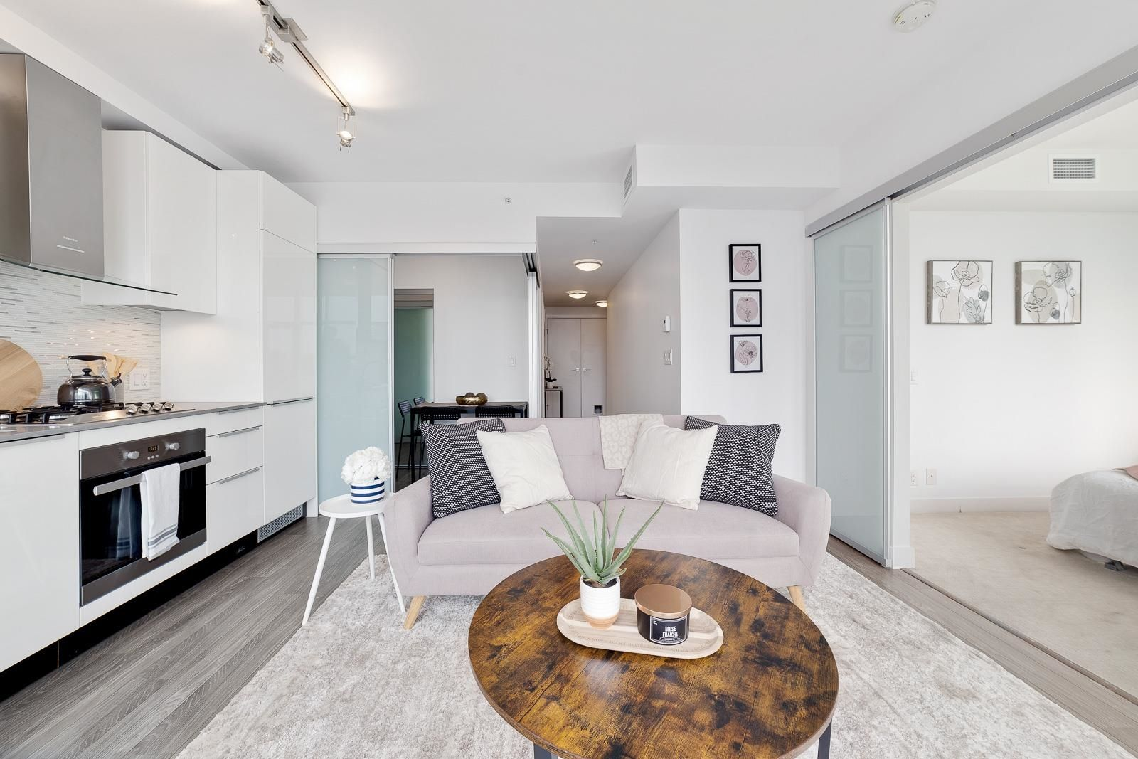 """Main Photo: 1505 1283 HOWE Street in Vancouver: Downtown VW Condo for sale in """"TATE"""" (Vancouver West)  : MLS®# R2625032"""